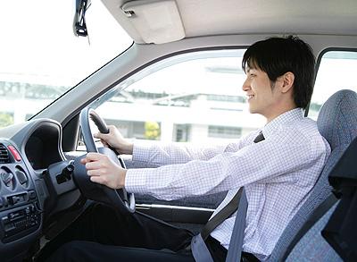 iPhone 3GやXperiaなどのスマートフォンやBluetooth対応の携帯電話に対応!自動車内での手ぶら通話を可能にするハンズフリーカーキットを発売